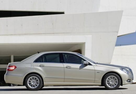 MERCEDES-BENZ Klasa E W 212 I sedan silver grey boczny prawy