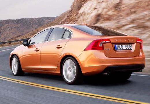 VOLVO S60 sedan pomarańczowy tylny lewy