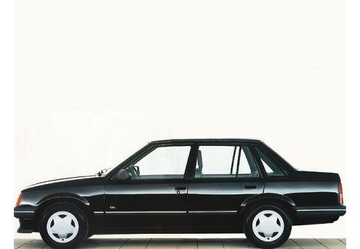OPEL Corsa 1.3 GLS Sedan A 60KM (benzyna)