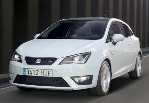 SEAT Ibiza hatchback biały przedni lewy