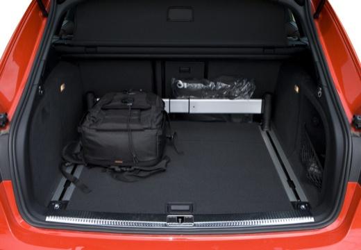 AUDI A4 Avant B8 I kombi przestrzeń załadunkowa