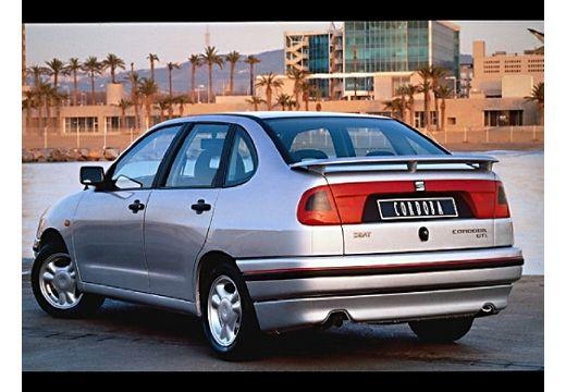 SEAT Cordoba sedan silver grey tylny lewy