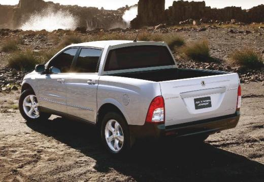SSANG YONG Actyon pickup silver grey tylny lewy