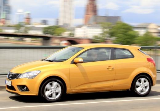KIA Ceed Proceed III hatchback żółty przedni lewy
