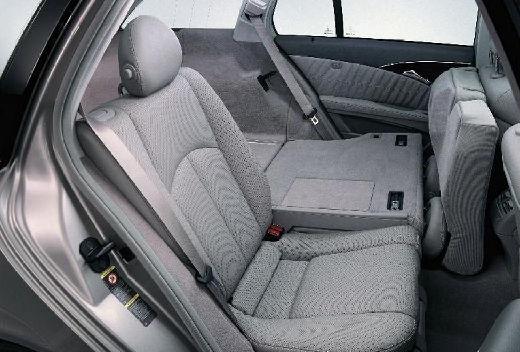 MERCEDES-BENZ Klasa E S 211 I kombi silver grey wnętrze