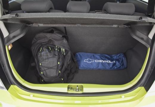 CHEVROLET Spark II hatchback zielony przestrzeń załadunkowa