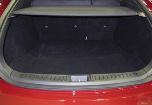 TESLA Model S hatchback przestrzeń załadunkowa