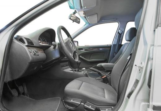 BMW Seria 3 E46/4 sedan wnętrze