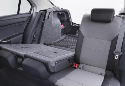 SKODA Rapid hatchback wnętrze