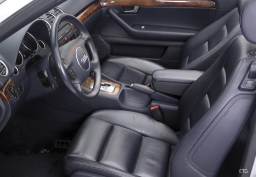 AUDI A4 Cabriolet 8H I kabriolet wnętrze