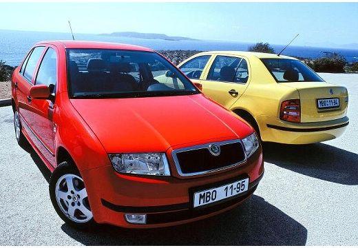 SKODA Fabia II sedan czerwony jasny przedni prawy