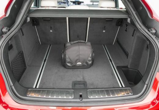 BMW X4 X 4 F26 kombi czerwony jasny przestrzeń załadunkowa