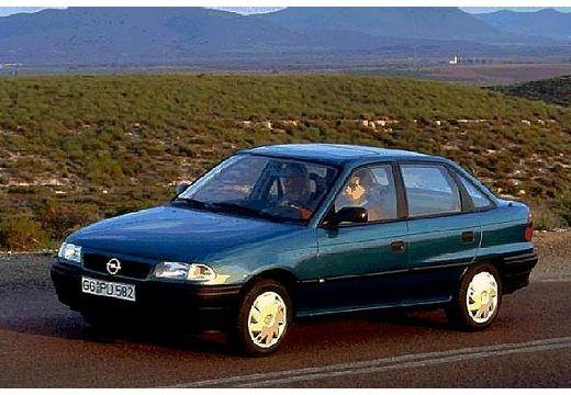 OPEL Astra I sedan niebieski jasny przedni lewy
