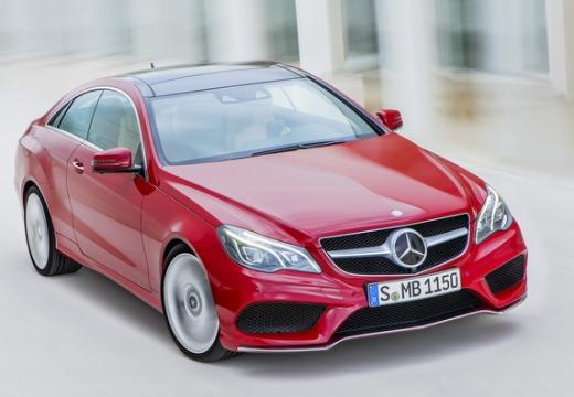 MERCEDES-BENZ Klasa E C 207 II coupe czerwony jasny przedni prawy