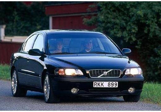 VOLVO S60 I sedan czarny przedni prawy