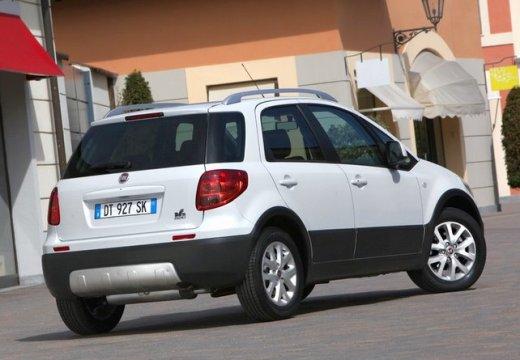 FIAT Sedici II kombi biały tylny prawy