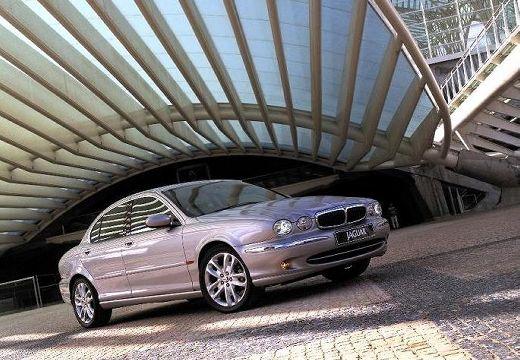 JAGUAR X-Type I sedan silver grey przedni prawy