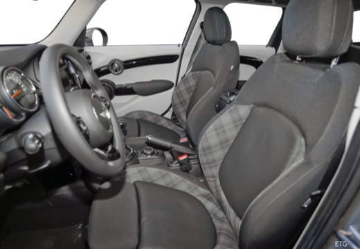 MINI [BMW] Mini MINI Cooper 5dr hatchback wnętrze