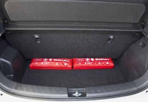 SUZUKI Swift II hatchback biały przestrzeń załadunkowa