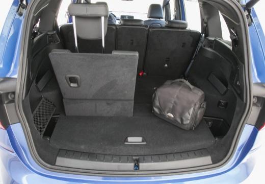 BMW Seria 2 kombi przestrzeń załadunkowa