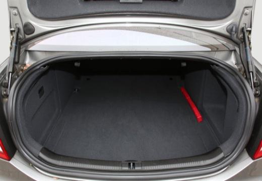 AUDI A6 4F I sedan przestrzeń załadunkowa
