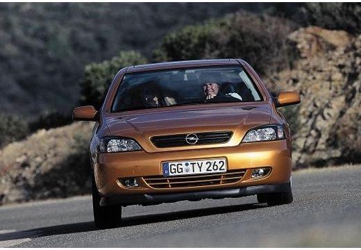 OPEL Astra coupe przedni