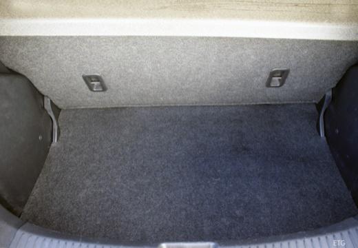 MAZDA 2 II hatchback przestrzeń załadunkowa