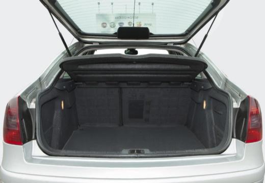 CITROEN C5 II hatchback silver grey przestrzeń załadunkowa