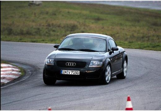 AUDI TT 8N coupe czarny przedni lewy