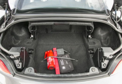 BMW Z4 E89 II roadster szary ciemny przestrzeń załadunkowa