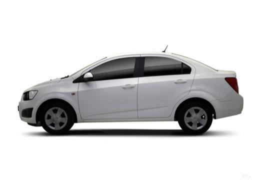 CHEVROLET Aveo III sedan biały boczny lewy
