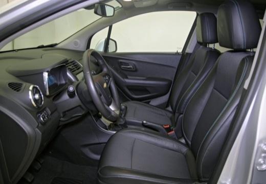 CHEVROLET Trax I hatchback wnętrze