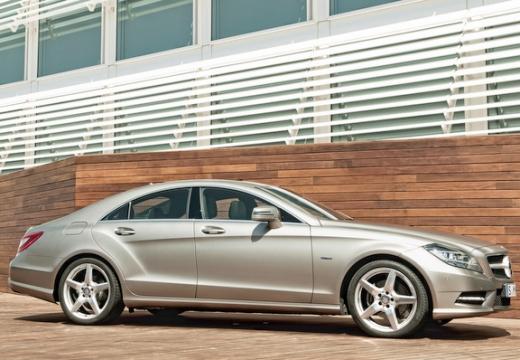 MERCEDES-BENZ Klasa CLS sedan silver grey boczny prawy