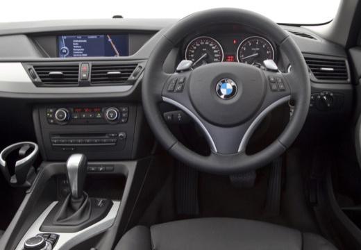 BMW X1 X 1 E84 I kombi silver grey tablica rozdzielcza