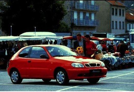 DAEWOO / FSO Lanos hatchback czerwony jasny boczny prawy