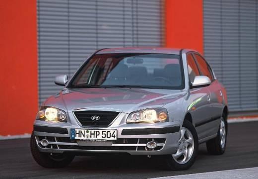 HYUNDAI Elantra 1.6 Middle Sedan II 105KM (benzyna)