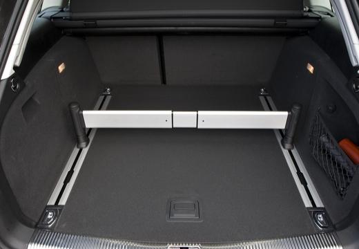 AUDI A4 Allroad I kombi przestrzeń załadunkowa