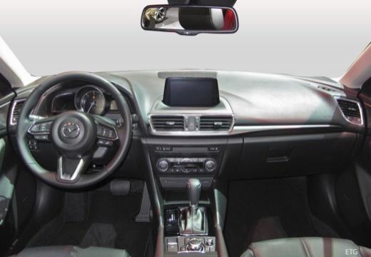 MAZDA 3 VI hatchback tablica rozdzielcza