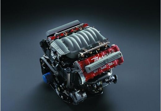 MASERATI 3200 I coupe silnik