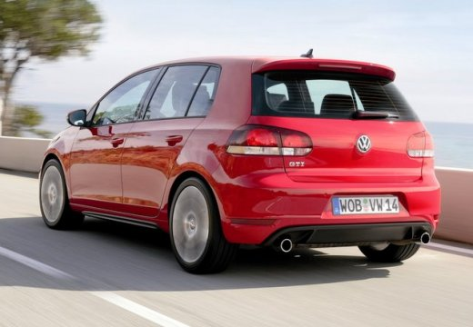 VOLKSWAGEN Golf VI hatchback
