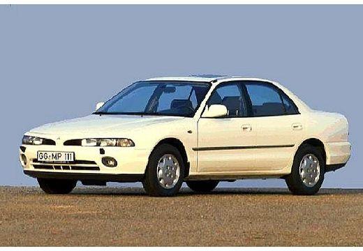 MITSUBISHI Galant III sedan biały przedni lewy