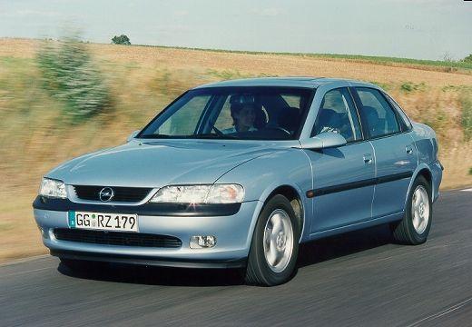 OPEL Vectra B II sedan niebieski jasny przedni lewy