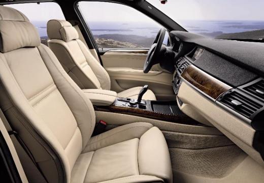 BMW X5 kombi wnętrze