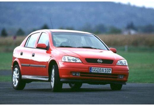 OPEL Astra II hatchback czerwony jasny przedni prawy