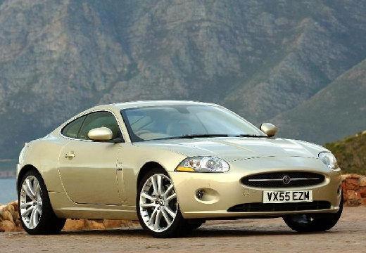 JAGUAR XK coupe beige przedni prawy