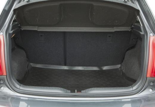 Toyota Auris II hatchback szary ciemny przestrzeń załadunkowa