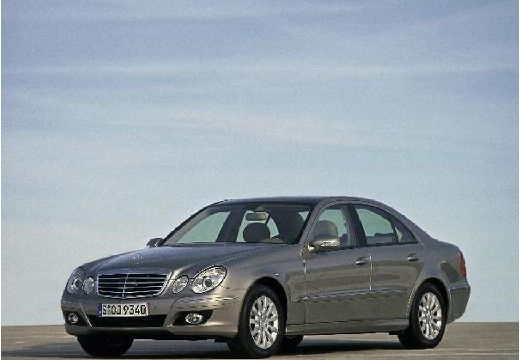 MERCEDES-BENZ Klasa E W 211 II sedan silver grey przedni lewy