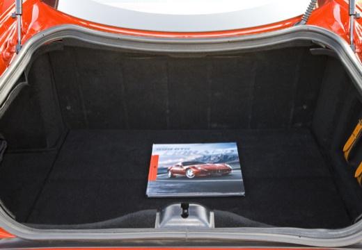FERRARI 599 I coupe czerwony jasny przestrzeń załadunkowa
