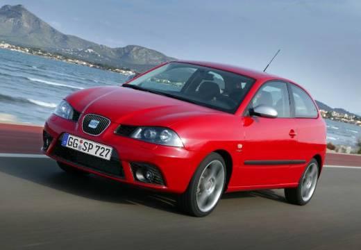 SEAT Ibiza IV hatchback czerwony jasny przedni lewy