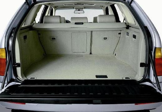 BMW X5 X 5 E53 I kombi silver grey przestrzeń załadunkowa